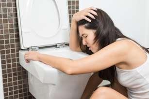 migraine symptoms vomiting